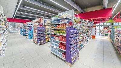 Как подобрать торговые стеллажи для магазина?