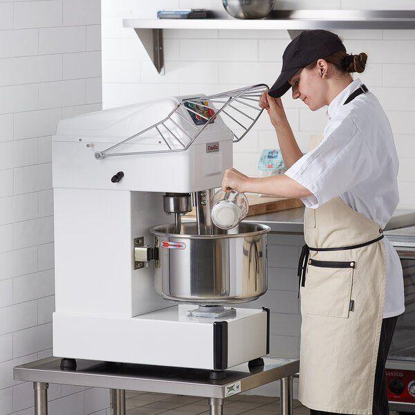 Как выбрать качественный промышленный тестомес для профессиональной кухни?
